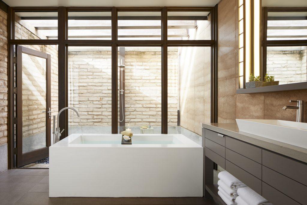 Bath Miraval Berkshire