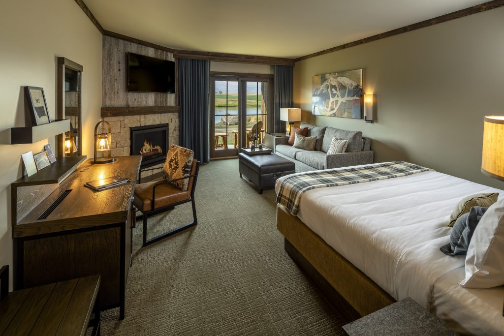 Deluxe King Room at the Sage Lodge