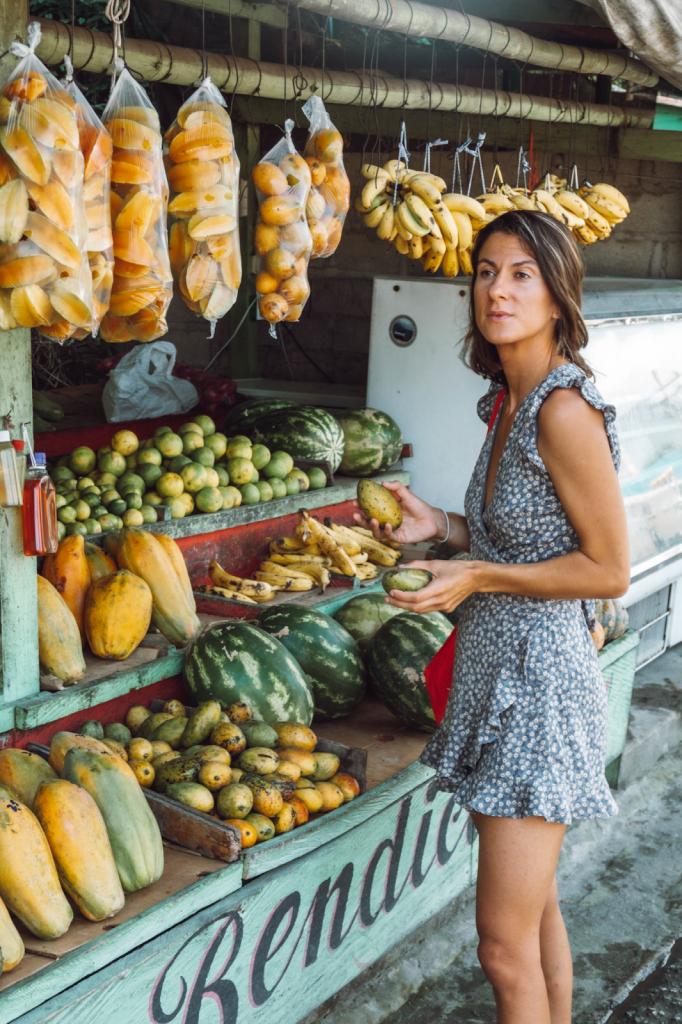Shopping for fresh fruit market