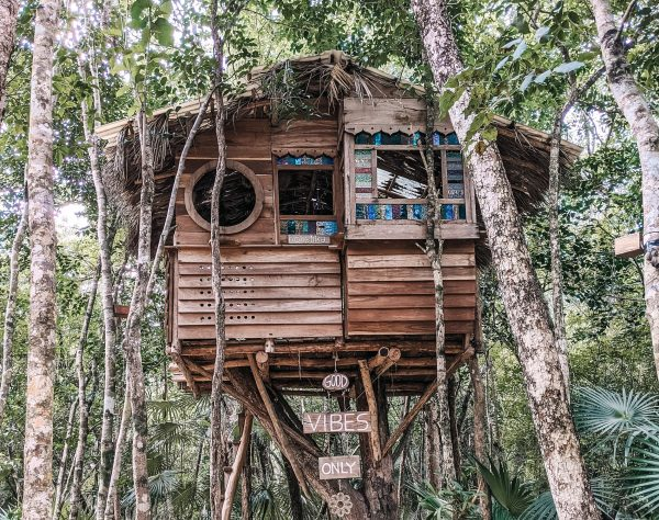 Eco-Friendly Travel Treehouse