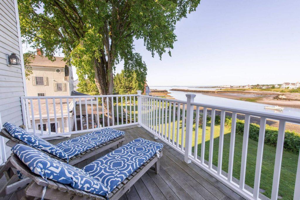 Breakwater Inn & Spa Porch