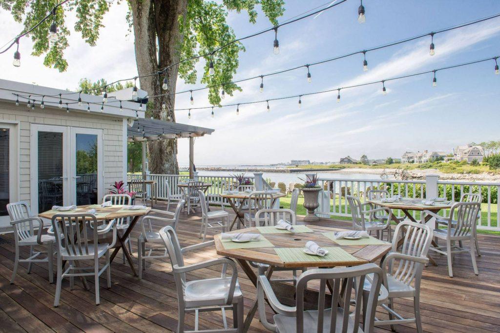 Breakwater Inn & Spa Outdoor Dining