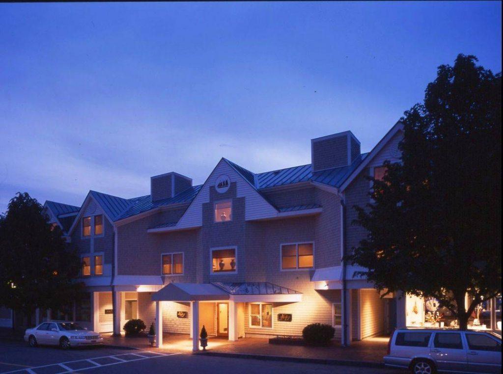 Breakwater Inn & Spa