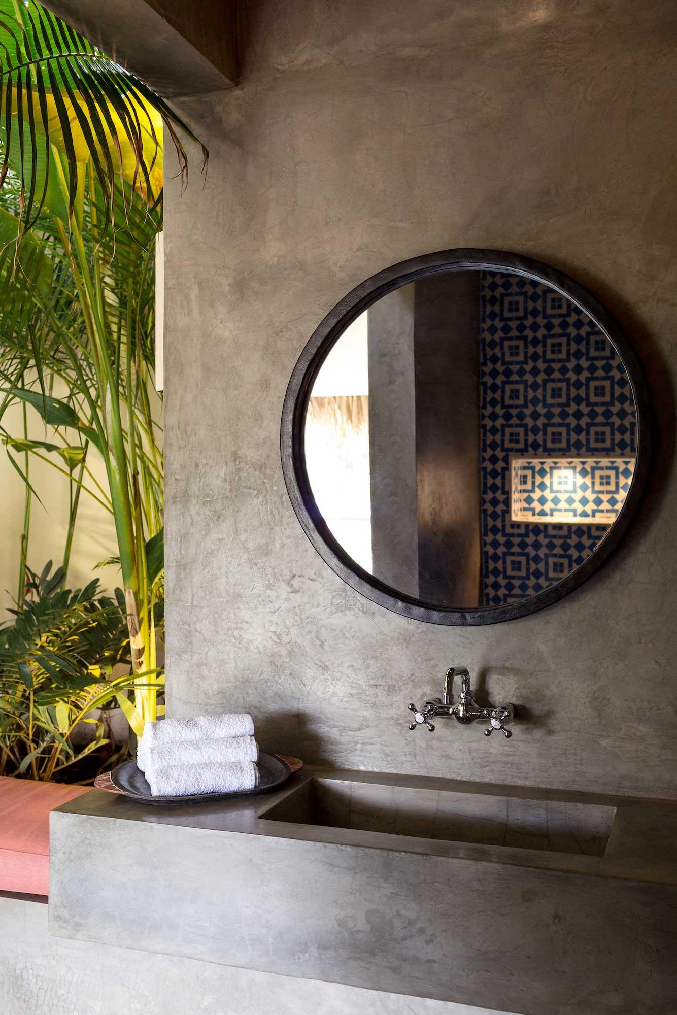 Malibu Popoyo Shower