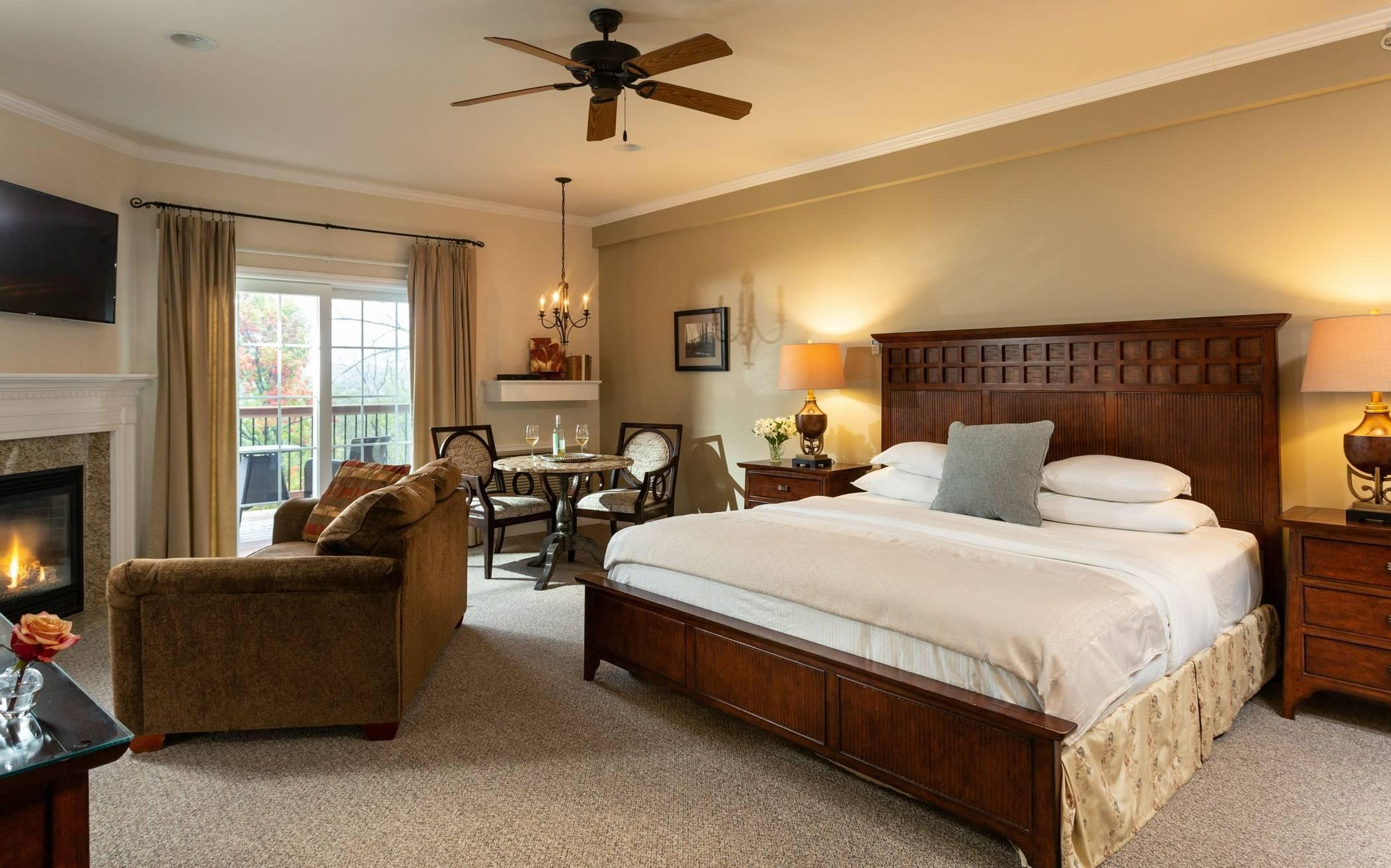 French Manor Inn Room