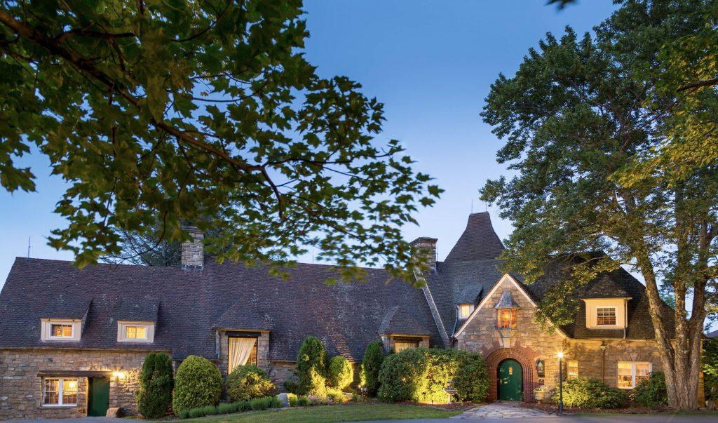 French Manor Inn Facade